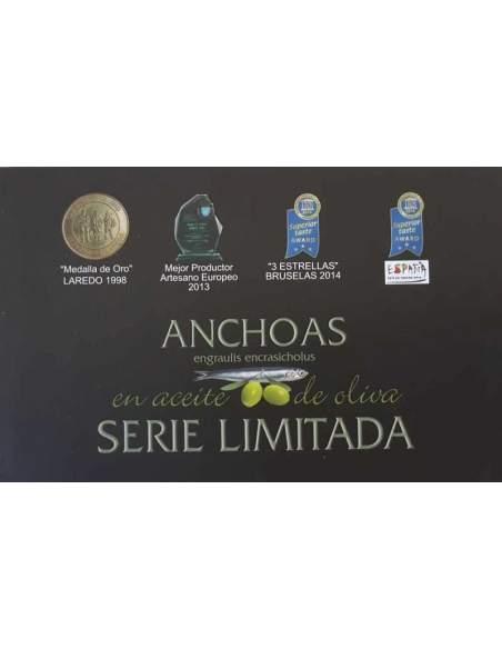 Boite de 4 boîtes d'anchois. Série limitée de la série Codesa LH-120 8 filets par boîte.