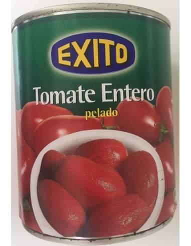 Geschälte Tomatenschale mit vollem...